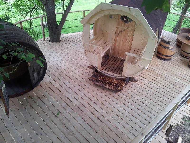 Cabane dans les arbres tonneau - Chambre d hote cabane dans les arbres ...
