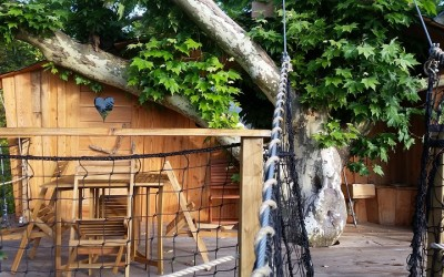 La cabane dans les arbres ilot, à 7 mètres